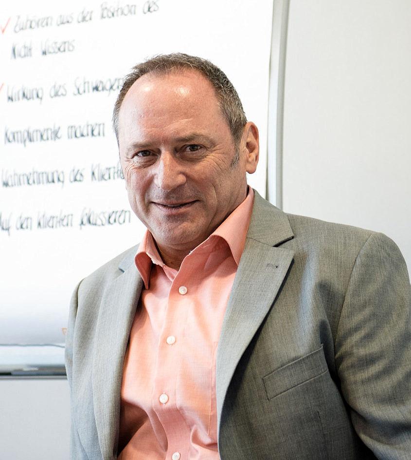 Dr. Gerhard Helm